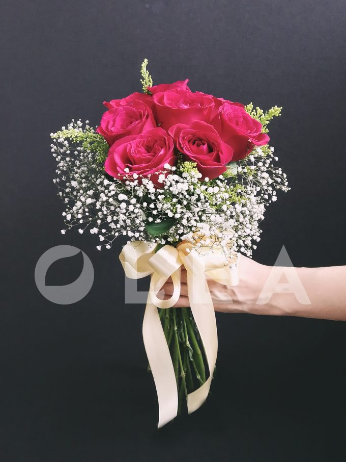 Minimal Bridal bouquet in KL
